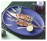 お刺身やお漬け物。できあがった焼き魚に