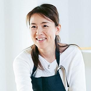 akiyama's profile.