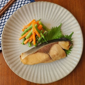 【PR】レンジでふっくら仕上がる!ご飯がすすむぶりの幽庵焼風