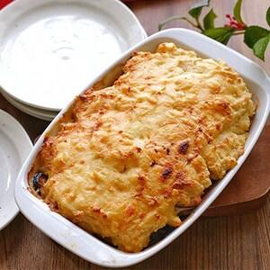 ポテトフレークと豆乳でお手軽絶品ソースに!「きのこと鮭の豆乳ポテトグラタン」