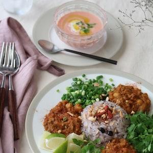 【PR】上品さと清涼感溢れる食卓を演出して。