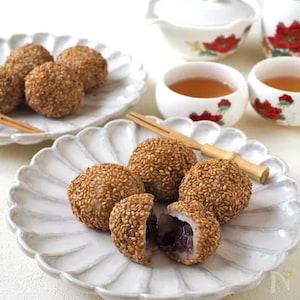 冷凍うどんで簡単!中華風「もっちりゴマ団子」