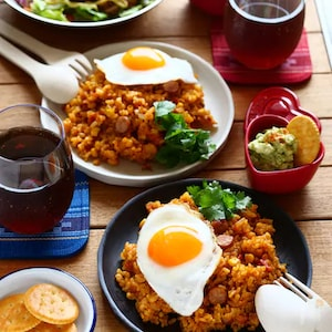 おうちキャンプ飯!玄米の炊き込みジャンバラヤ