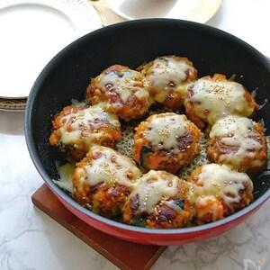 ごま油の濃厚な味と香りで風味豊かに!「韓国風チーズかぼちゃバーグ」