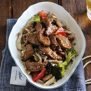 レンジでできる!「豆腐のお肉とたっぷりきのこのホットマリネ」