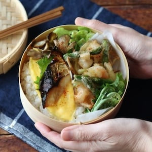 【PR】春の食材でお弁当を華やかに♪旬のアスパラガスとえびのかき揚げ弁当