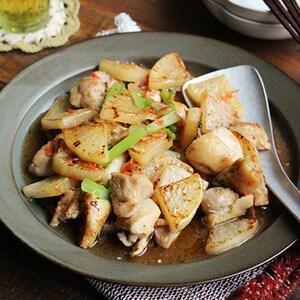 ご飯にかけても美味しい!「鶏と大根の塩とろみ炒め」