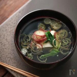しっかりとしたお出汁で。みょうがと豆腐のお吸い物。