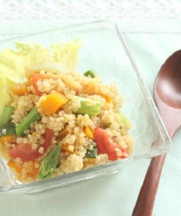 アンチエイジング効果に期待♪ キヌアとビタミン野菜のサラダ
