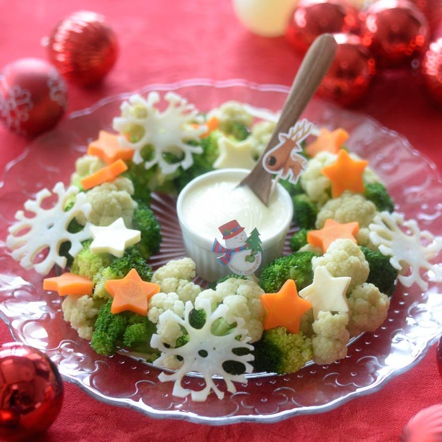 型抜きすることでかわいさアップ 温野菜のリースサラダ