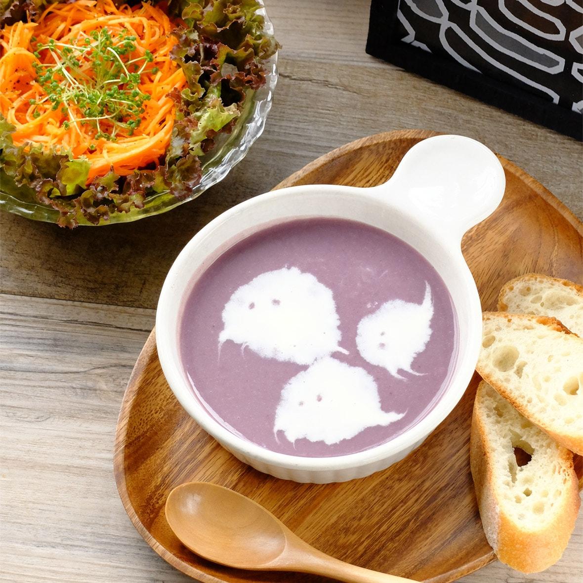 おばけがぷかぷか♪ハロウィンカラーのスープ
