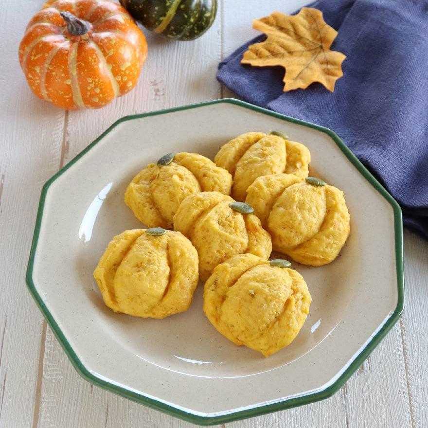 見た目もかぼちゃにそっくり!ホロホロ食感が美味しいクッキー