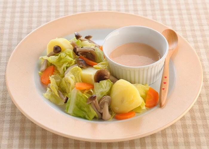 キャベツとじゃがいもの温野菜サラダ