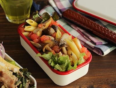 トマト風味のから揚げパスタ弁当