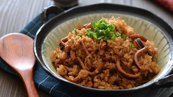 画像:鍋炊きイカ飯