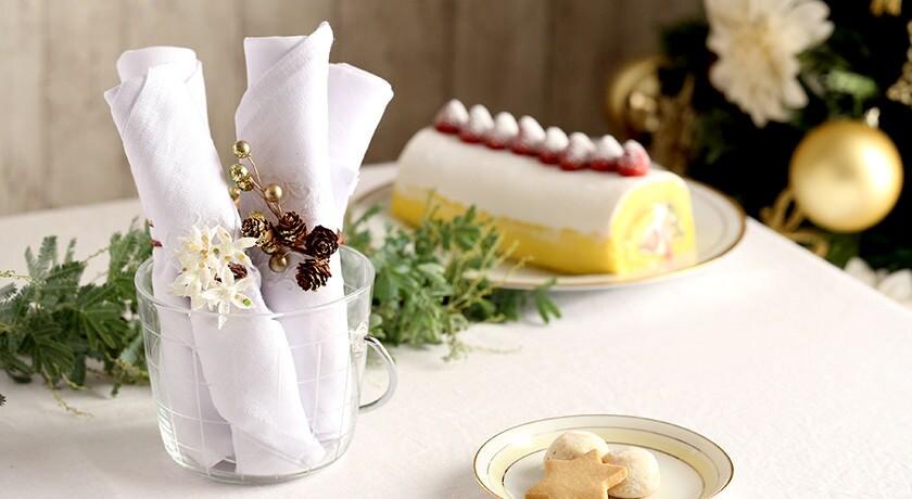 真っ白ナプキンが折り方ひとつでかわいい飾りに大変身!