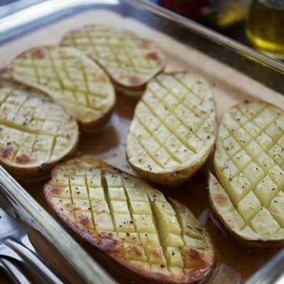 シンプルだけどとっても美味しい♪スペイン風ベイクドポテト。