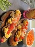 全粒粉の野菜たっぷりパン~リンゴチップスとニンジンを添えて~