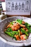 市販の焼き鳥で簡単野菜炒め