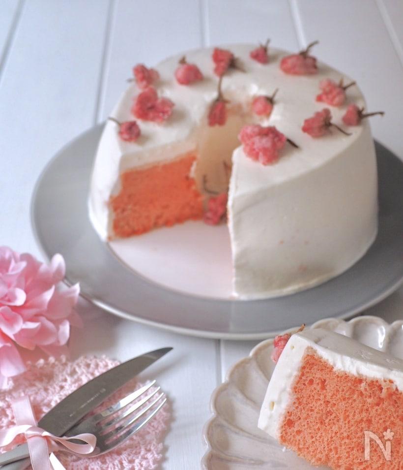 ホットケーキミックスのふわふわ桜シフォン