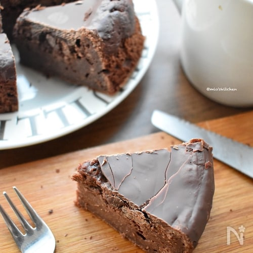 基本材料3つ♡豆腐使用♡美味しさ抜群♡ホールチョコケーキ♡