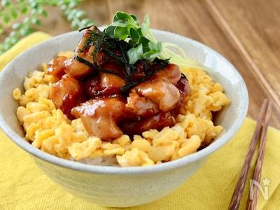焼き鳥 丼 レシピ 甘辛ダレがやみつきに♪ 「焼き鳥丼」のレシピ&人気アレンジ5選