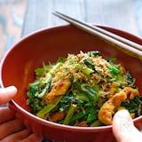 レンジで簡単!小松菜と油揚げのおかかじゃこ炒め風