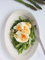 アスパラガスとゆで卵のシンプルサラダ