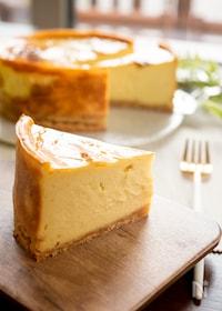 『ミキサーで混ぜるだけ!さつまいものベイクドチーズケーキ』