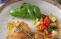 夏野菜たっぷり!白だしオリーブソースのパリパリチキンステーキ