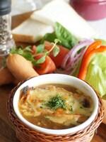 パルミジャーノ香る、オニオングラタンスープ