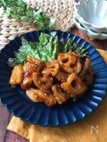 『鶏むね肉でヘルシー♡』鶏とレンコンのピリ辛ごま炒め