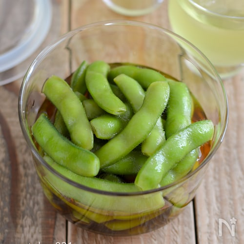 枝豆のあごだしつゆ漬け。素材の味が引き立つ、夏のおつまみ。