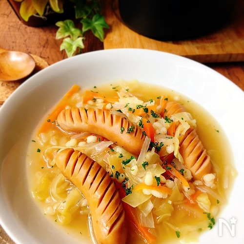 [ストウブ調理]もち麦とソーセージのスープ