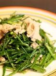 にらの花と豚肉のガーリック炒め