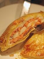 帆立貝とトラウトサーモンのパイ包み焼き