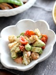 海老とアボカドの胡麻味噌サラダ