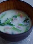 ベーコンと小松菜の豆乳味噌スープ