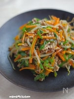 シャキシャキ野菜のそぼろ餡炒め(麺つゆレシピ)