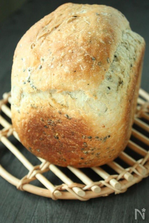 網の上にのった玄米甘酒食パン