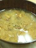 ギバサ&なめこ&玉ねぎのねばねば味噌汁