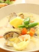 旬のあさりと野菜たっぷり☆味噌クラムチャウダー