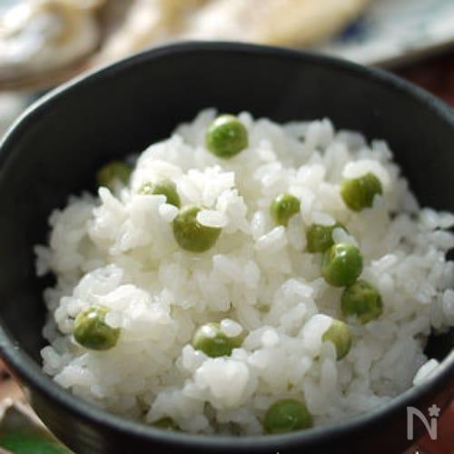 春色豆ご飯☆グリンピースご飯♪一緒に炊くと米が美味い