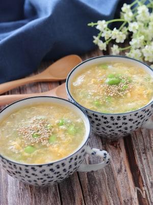 うどんスープで作る!ごま油香るふわふわ卵と枝豆のとろみスープ
