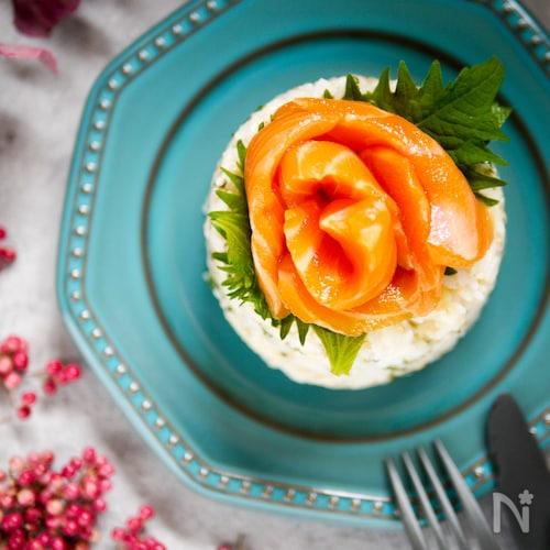 簡単!かわいい♡お花サーモンのお寿司ケーキ