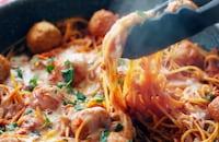 トマトソースを使った人気レシピ15選 | ドリア、グラタン、パスタ、ピザ