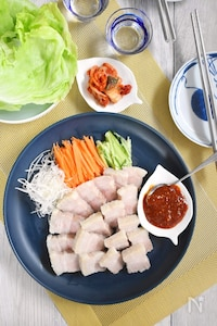韓国風ゆで豚「ポッサム」