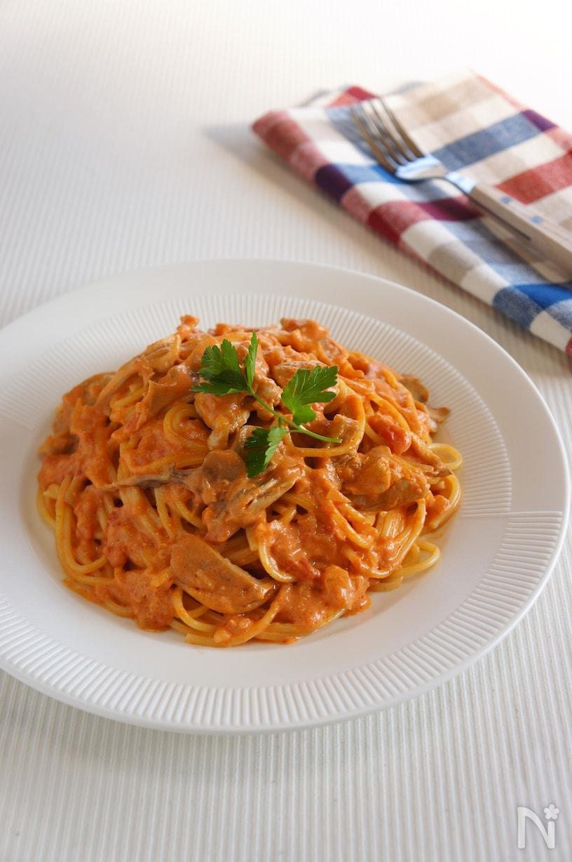 【材料別】トマトクリームパスタのレシピ21選!エビやツナなどの画像