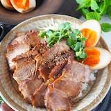 魅惑のチャーシュー丼【フライパン焼豚でガッツリ男子も満足!】