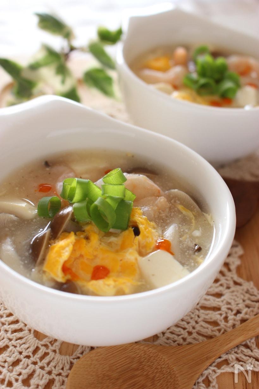 冷凍むきエビ、しめじ豆腐、溶き卵の中華スープ